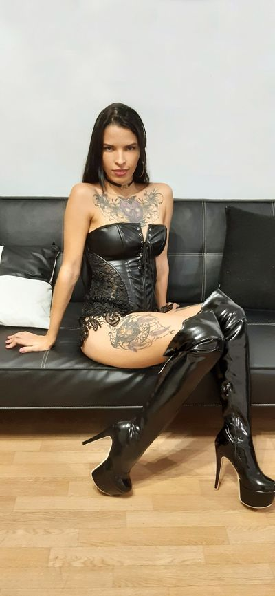 Lyn Taylor - Escort Girl from League City Texas