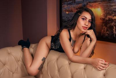 Bella Kim - Escort Girl from League City Texas