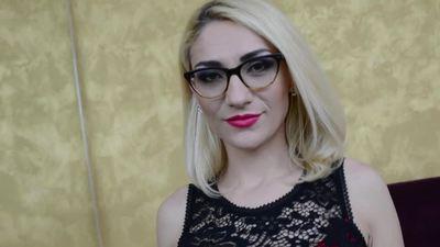 Luna Melba - Escort Girl from League City Texas